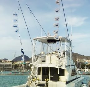 SMOKER_boat-flags-cape-verde